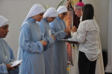 Hijas-sagrada-familia-toma-habito-2
